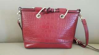 Tas Merah Maroon