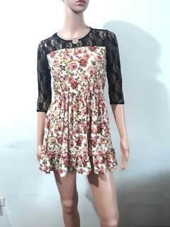 (XS-S) Brand New floral laced dress
