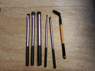 Real Techniques Make Up Brush