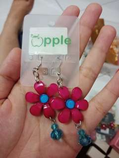 Anting lucu