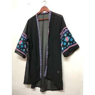 🚚 波西米亞圖騰刺繡開襟寬袖長版雪紡罩衫薄外套