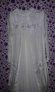 Baju muslim putih elegan