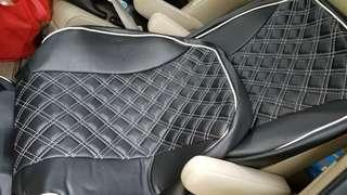 stegwgn rg 前兩座 全新日本 clazzio 椅套。 黑底白格全新,一套8件。 包司機及助手席,兩頭枕、兩手枕。 不包裝,會教你裝。 $900.