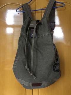 型格 軍綠 實用袋 practical bag
