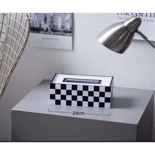 Modern minimalist tissue box