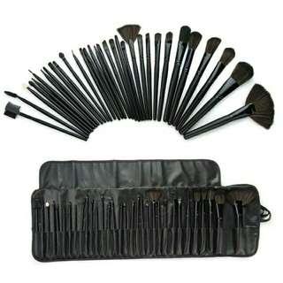 MAC 32 pcs. Brush set