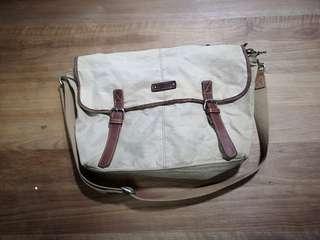 Jaspal Messenger Bag