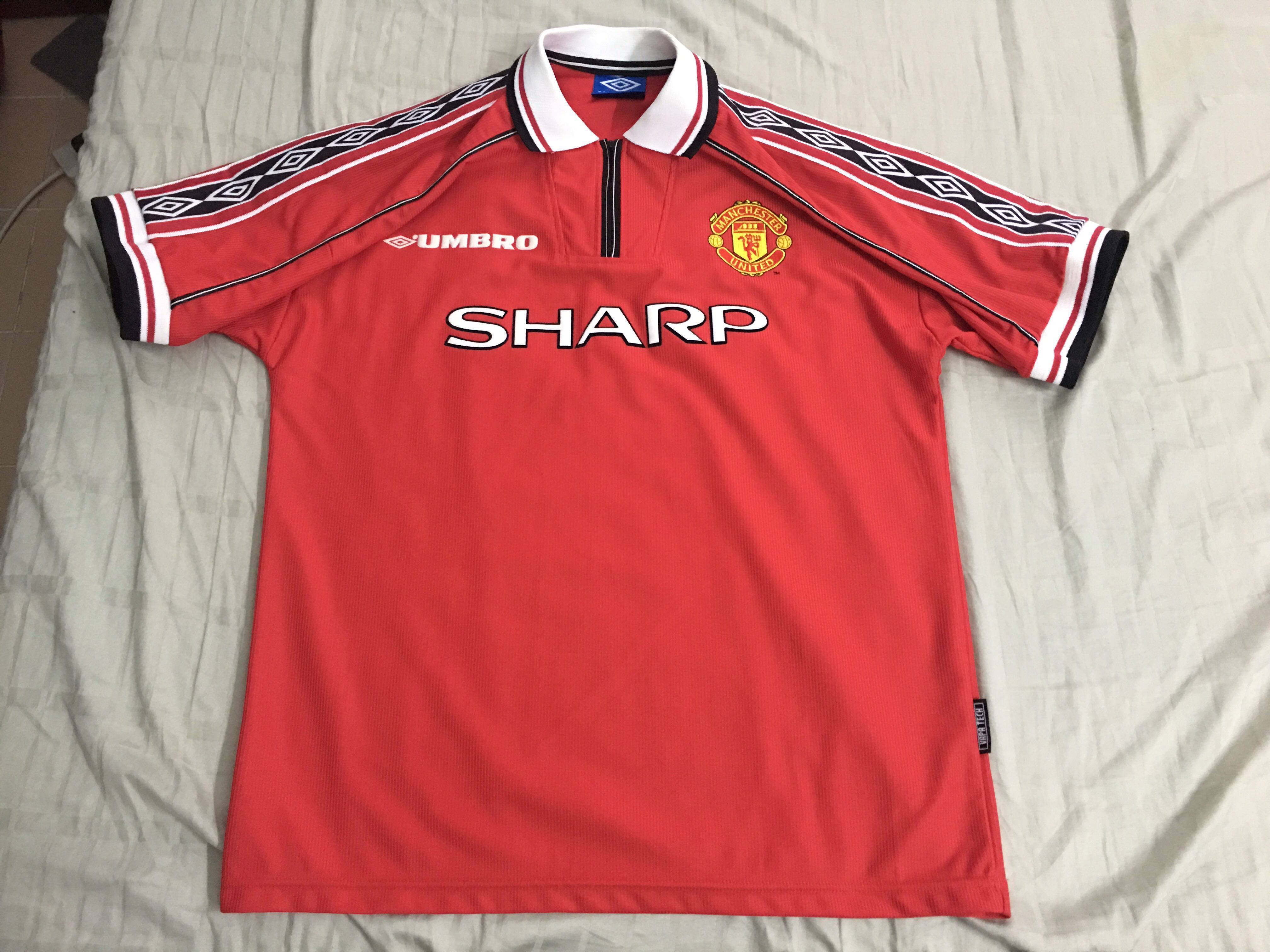 pick up 9bb66 9f15d Authentic Manchester United 98/99 Treble home jersey