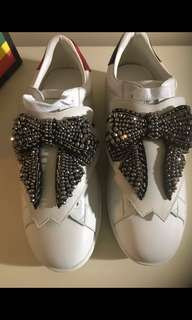 Gucci Ace Removable Bow Patch Sneakers