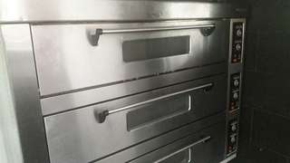 Oven Electric 3 deck 9 tray