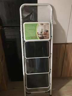 4 Step-Up Ladder