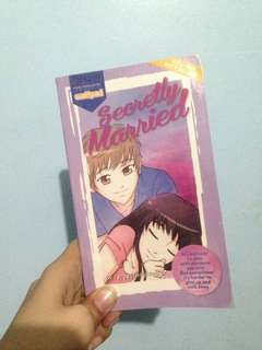 Wattpad book: Secretly Married