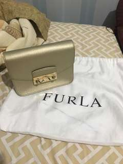 Furla Julia Slingbag - Gold