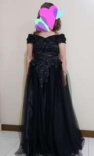 Preloved Black Off Shoulder   Evening Gown or Long Gown