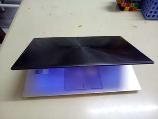Asus Thin i5/win7/4Gb/500Gb hdd/14inch/Gaming