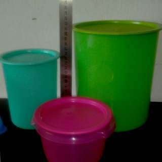 TUPPERWARE CANISTERS MIX