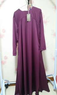 Bella ammara basic jubah satin in dark purple