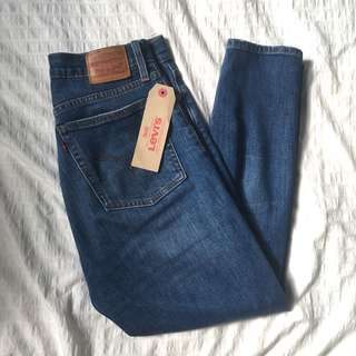 """Levi's Wedgie Skinny 29"""" NEW WITH TAGS"""