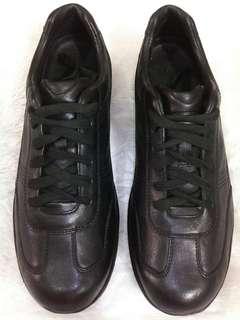 Sepatu MBT
