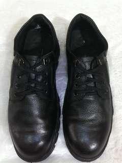 Sepatu safety WorldCruiser