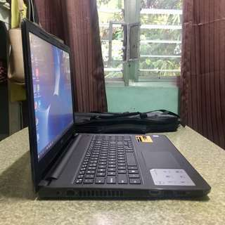 Dell Laptop for sale (7days old) w/1yr warranty at dell