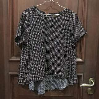 This is april loose blouse