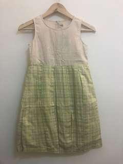🚚 YSL洋裝(130)..背後有些黃點如圖