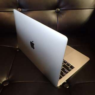 2017 MacBook Pro  core  i5 2.3ghz 8gb ram 512 ssd