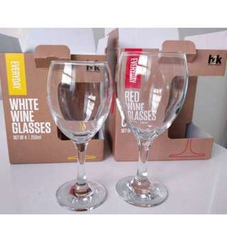 2 sets of wine glasses - brand new