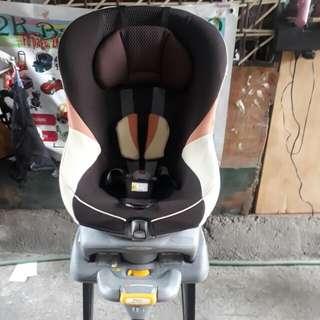 Combi zeusturn car seat