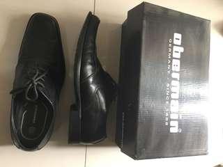 Obermain ori sepatu kantor