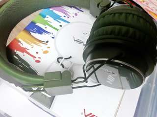 NIA Q8 Bluetooth Headphones