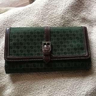 Nine West green wallet ✨