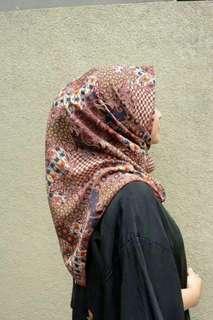 Hijab motif batik (nett & free ongkir Jabodetabek)