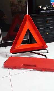 Triangle car breakdown sign with a box
