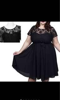 PLUS SIZE Scooped Neckline Lace Dress
