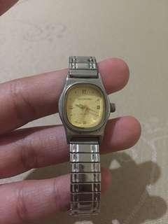 7-inch Valentino Watch stretchable strap