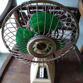 Vintage small table fan