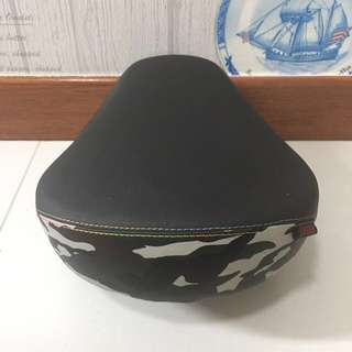 Large Padded DYU Saddle