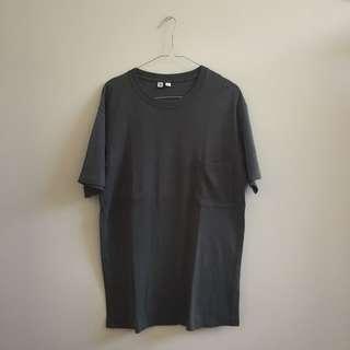 Uniqlo Olive (Hijau Army) Oversized T-Shirt