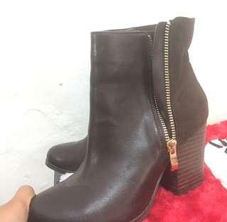 Boots high heels