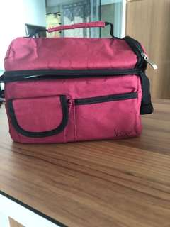 Red V-coool breastmilk cooler bag