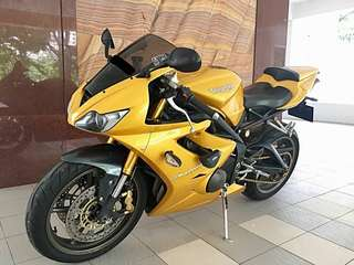 2006 Daytona 675 r 🇸🇬 Sing Bike / Track Bike . Condition Very2 Good!! Just buy & ride