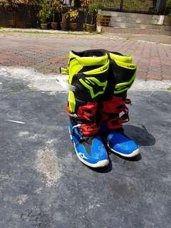Alpinestars Tech 10 boots.