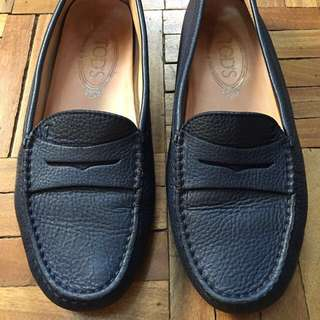 AUTHENTIC TODS GOMMINO MOCCASIN LOAFERS NAVY