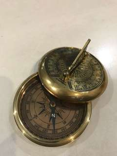 Compass with Greenwich sundial