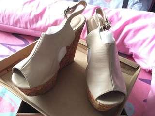 Primadonna Beige wedge sandals