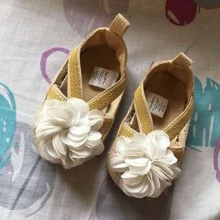 Infant shoes 0-3mos