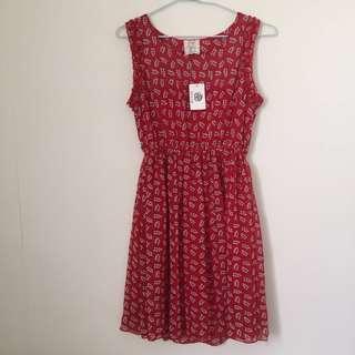 紅色彈性縮腰洋裝