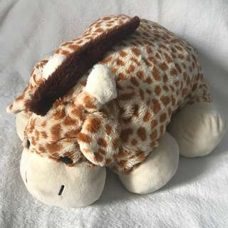 Giraffe stuffed toy pillow